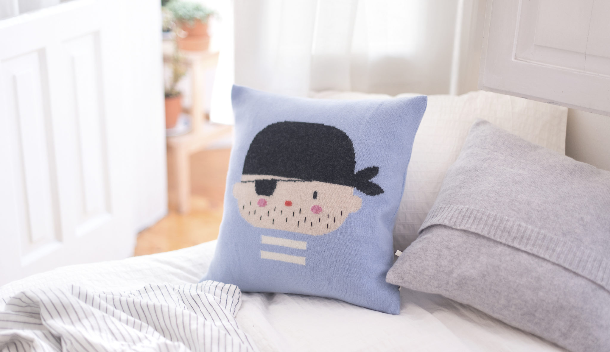 lauvely-jack-pillow